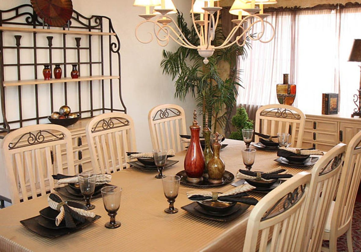 huge-cambria-senior-living-dining-room